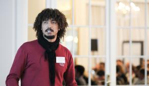 Picture of El Mahdi El Mhamdi discussing fault tolerance